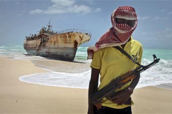 na-vodi_Somalijski-pirat