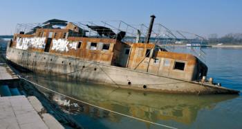na-vodi_brod-mala