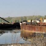 na-vodi_groblje-brodova