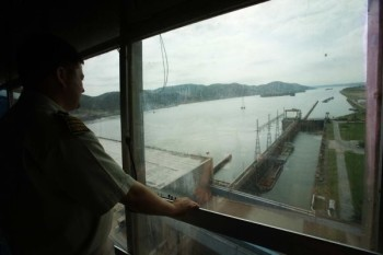 na-vodi_hidroelektrana-djerdap-03