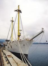 na-vodi_brod-Jadran-v