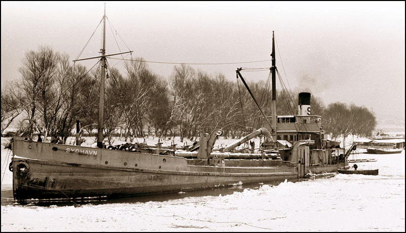 na-vodi_brod-Sidhavn-3