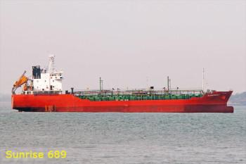 na-vodi_tanker-Sunrise-689