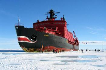 na-vodi_brod-ledolomac-jamal