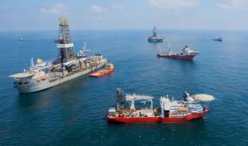 na-vodi_naftne-platforme