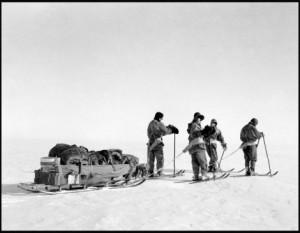 na-vodi_Skotova-ekspedicija-01