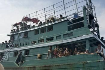 na-vodi_migranti-tajland
