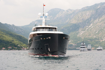 na-vodi_super-yacht1