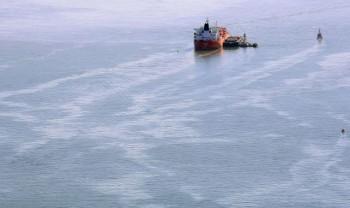 na-vodi_tanker-nafta