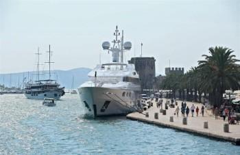 na-vodi_yacht-Petra-Bernie-Ecclestone