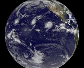 na-vodi_uragan