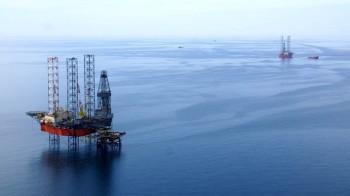 na-vodi_cernomornjeftegaz-nafta-platforma