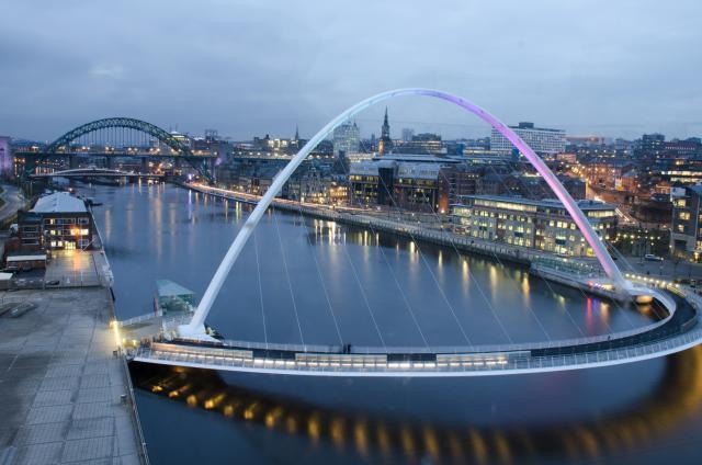 Arhitektura koja spaja ljude - Mostovi - Page 4 Na-vodi_pokretni-mostovi-1
