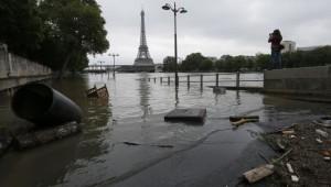 na-vodi_pariz-poplava