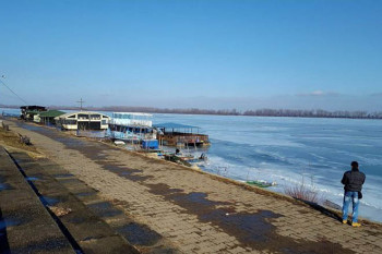 NA_VODI_grocka_led_dunav_ledolomci02
