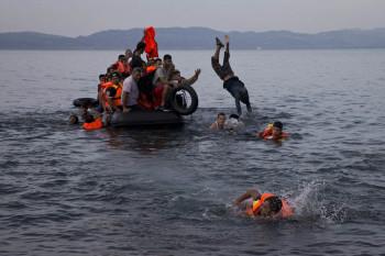 NA_VODI_turska_camci_izbeglice03
