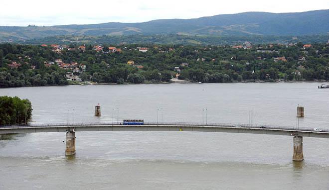 NA_VODI_most_novi_sad04