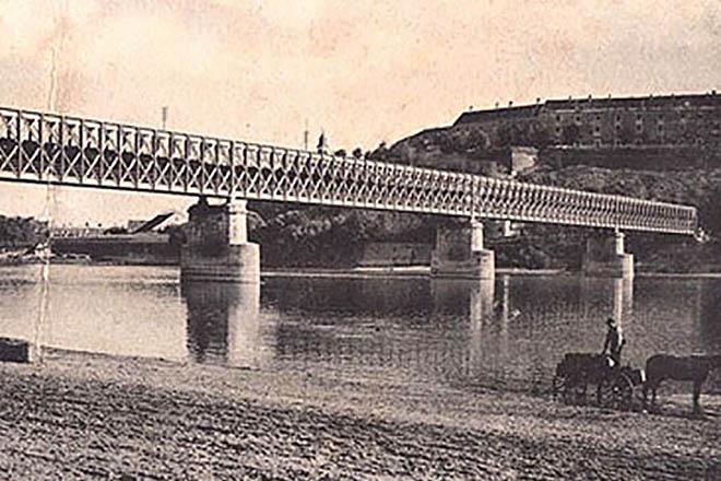 NA_VODI_most_novi_sad05