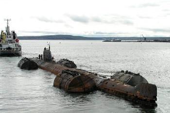 NA_VODI_stara_podmornica02