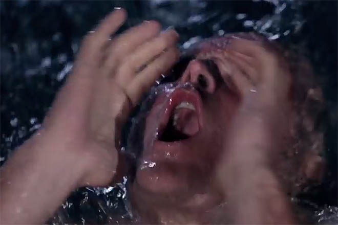 NA_VODI_utopljenik02