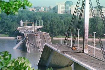 NA_VODI_most_slobode01