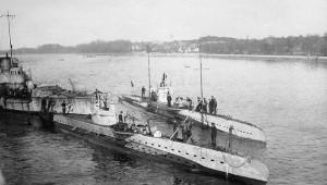 NA_VODI_podmornica02
