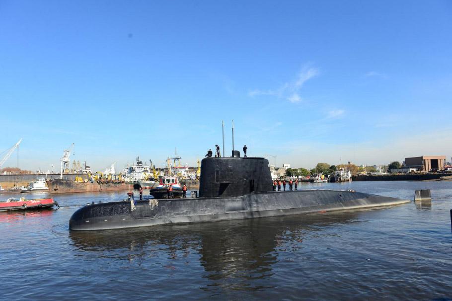 NA_VODI_argentina_podmornica01