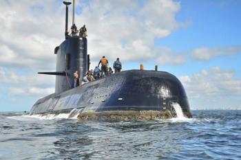 NA_VODI_argentina_podmornica02