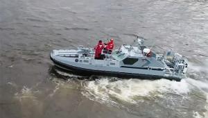 NA_VODI_brod_rusija02