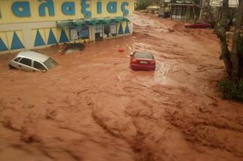 NA_VODI_poplava_grcka04