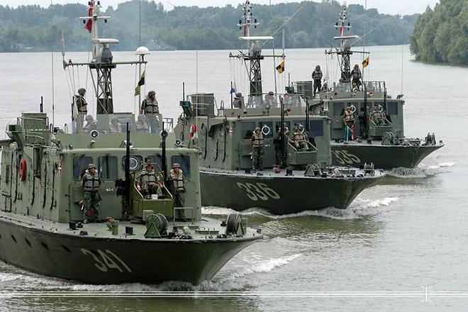 NA_VODI_recna_flotila01