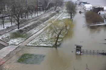 NA_VODI_poplava_beograd01