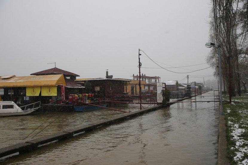 NA_VODI_poplava_beograd03
