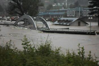 NA_VODI_poplava_bosna